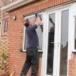Čo keď sa poškodí plastové okno? Dá sa opraviť?