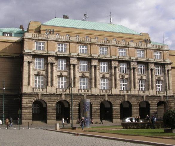 Bezplatné štúdium v Čechách: Pre koho je výhodné?
