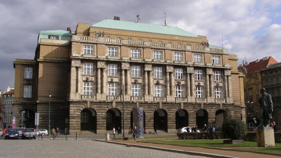 karlova-univerzita